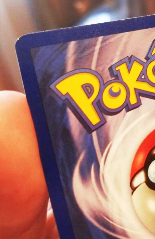how to grade pokemon cards checking the corners for sharpness